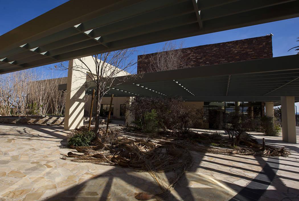 The exterior of the abandoned former headquarters of MRI International in Las Vegas on Thursday, March 16, 2017. (Miranda Alam/Las Vegas Review-Journal) @miranda_alam