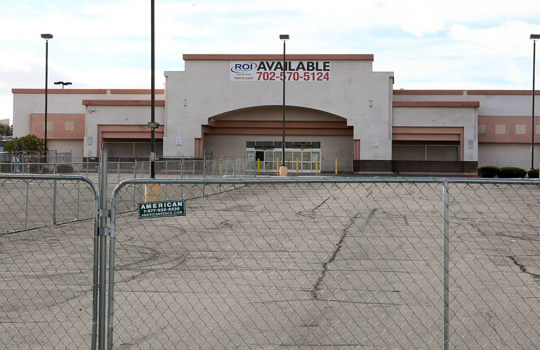 A closed Food 4 Less store at 2545 S. Eastern Ave., on Tuesday, Feb 7, 2017, in Las Vegas. ( Bizuayehu Tesfaye/Las Vegas Review-Journal) @bizutesfaye