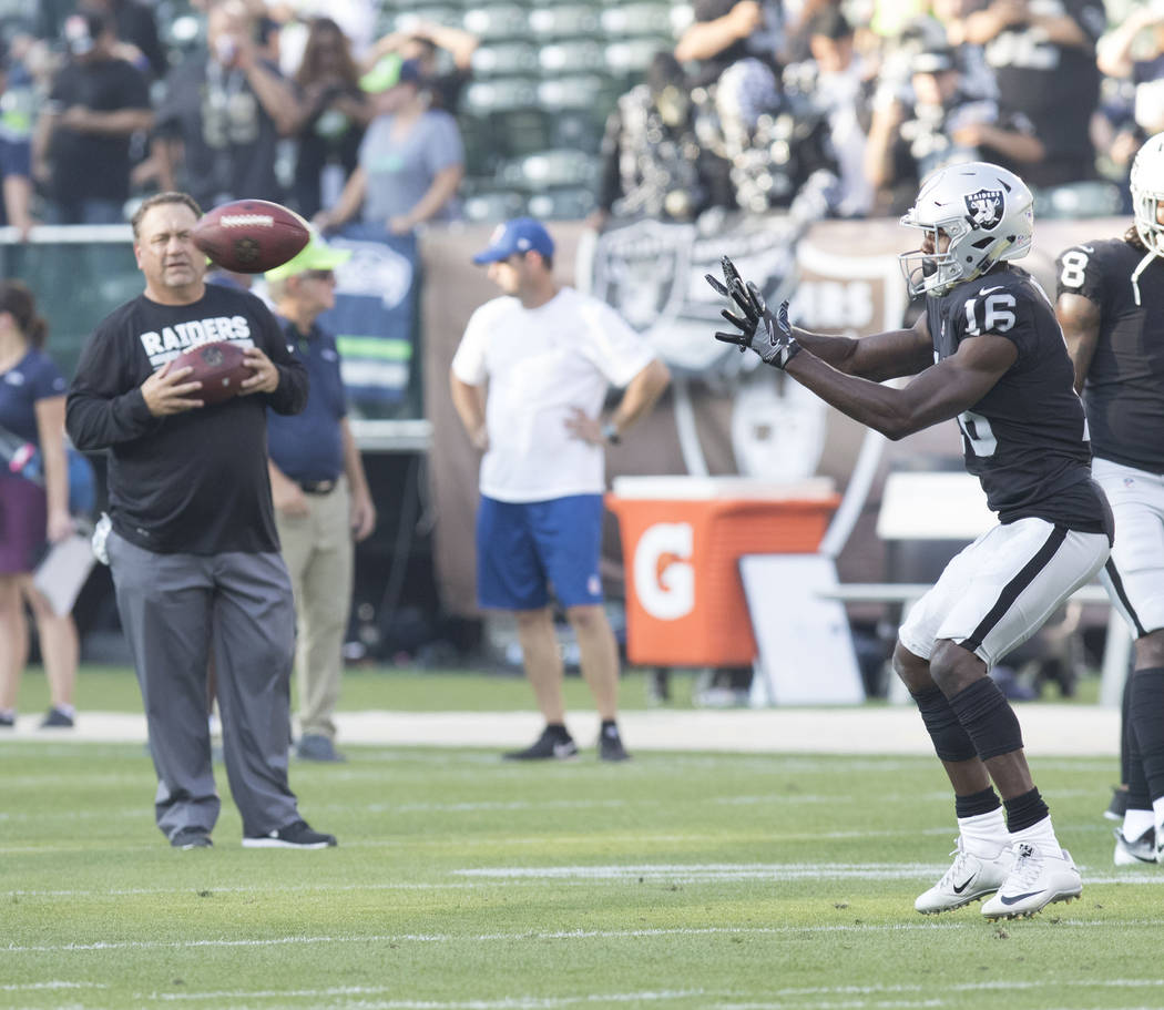 in the first half of their preseason game in Oakland, Thursday, Aug. 31, 2017. Heidi Fang Las Vegas Review-Journal @HeidiFang