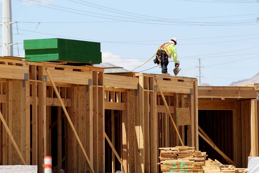 A new report by Home Builders Research says Las Vegas homebuilders are rolling out a bigger menu of less-expensive projects. (K.M. Cannon/Las Vegas Review-Journal) @KMCannonPhoto