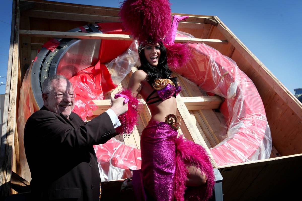 Las Vegas Mayor Oscar Goodman, left, appears with Amanda Latona, a model/showgirl, at a press c ...