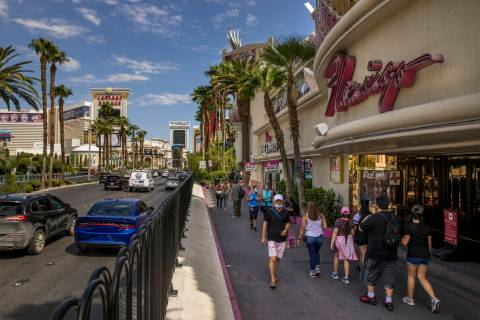 The Las Vegas Strip at the Flamingo is active during Labor Day weekend on Saturday, Sept. 5, 20 ...