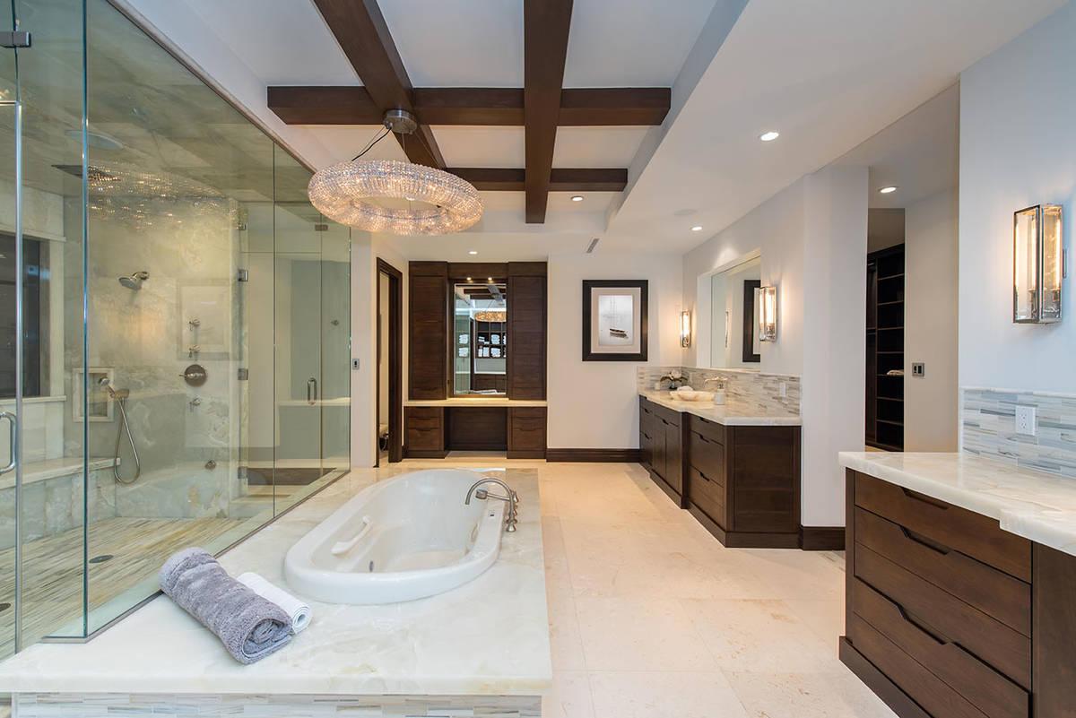 The master bath. (Simply Vegas)