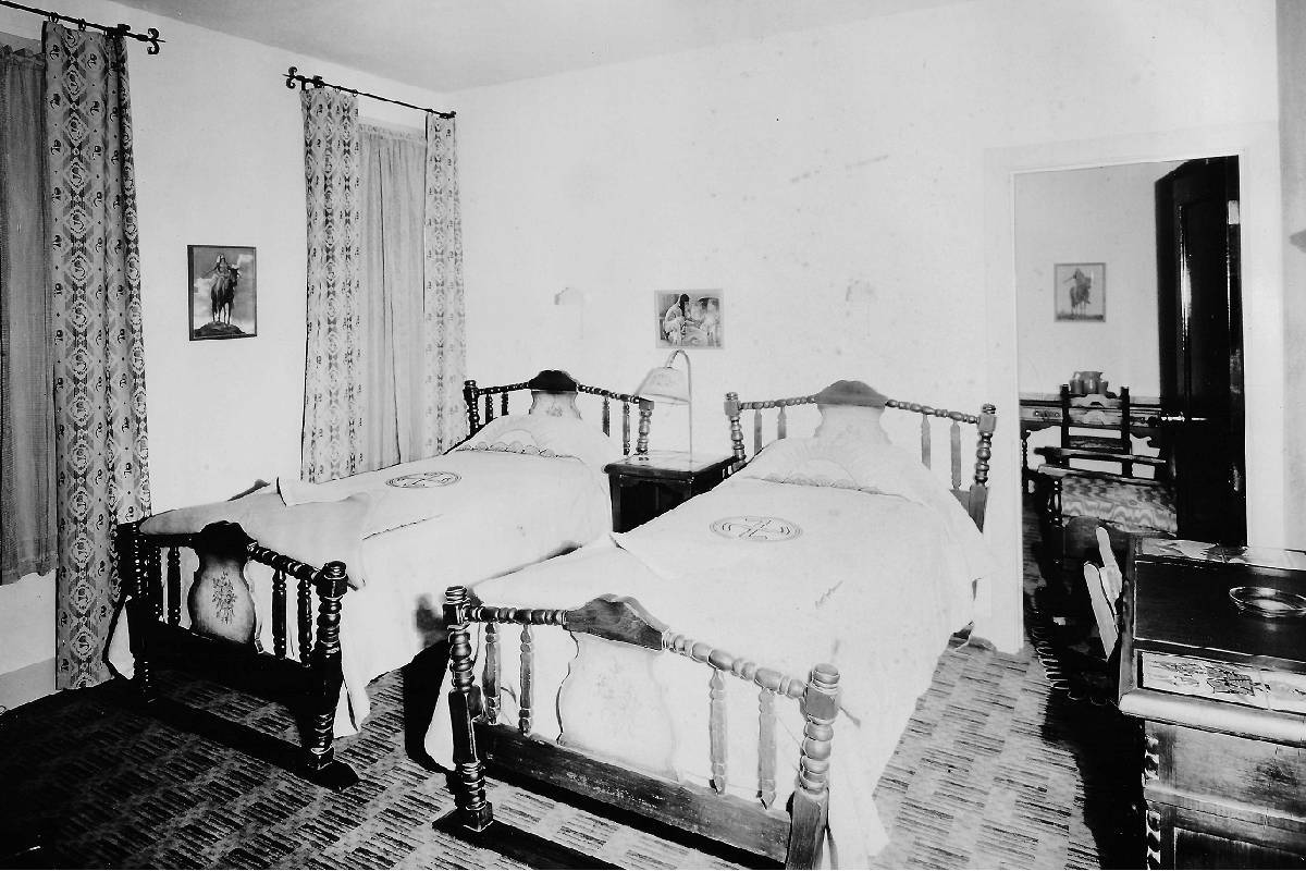 A Hotel Apache hotel room in 1932. (Courtesy, Robert Stoldal Collection.)