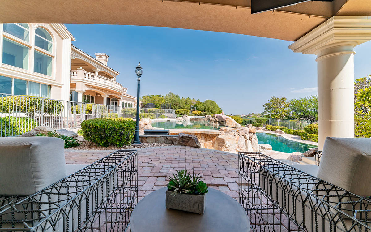 The patio. (Luxurious Real Estate)