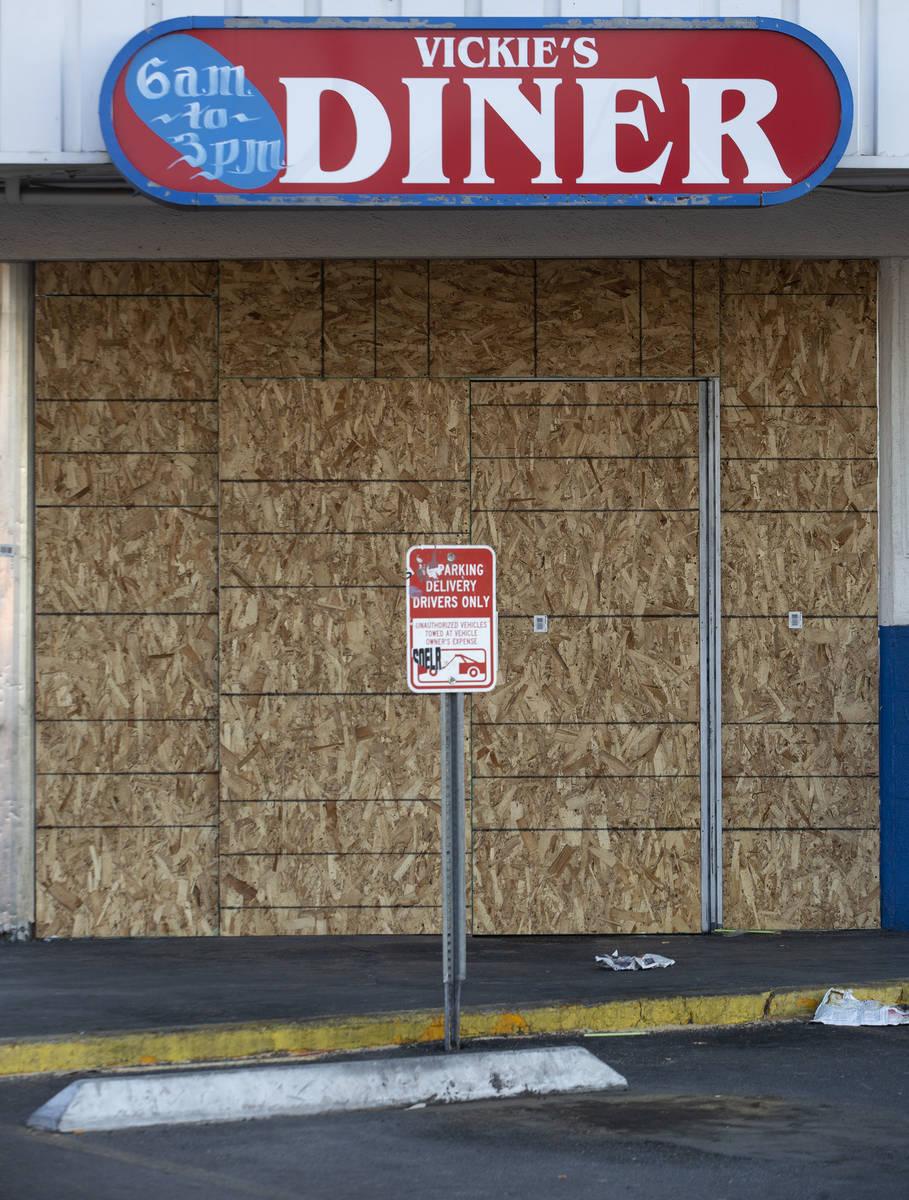 Vickie's Diner is boarded up on Monday, Oct. 5, 2020, in Las Vegas. (Ellen Schmidt/Las Vegas Re ...