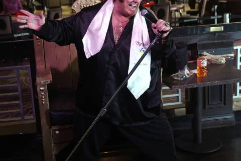 """Pete """"Big Elvis"""" Vallee performs at the Piano Bar at Harrah's Las Vegas in his first ..."""