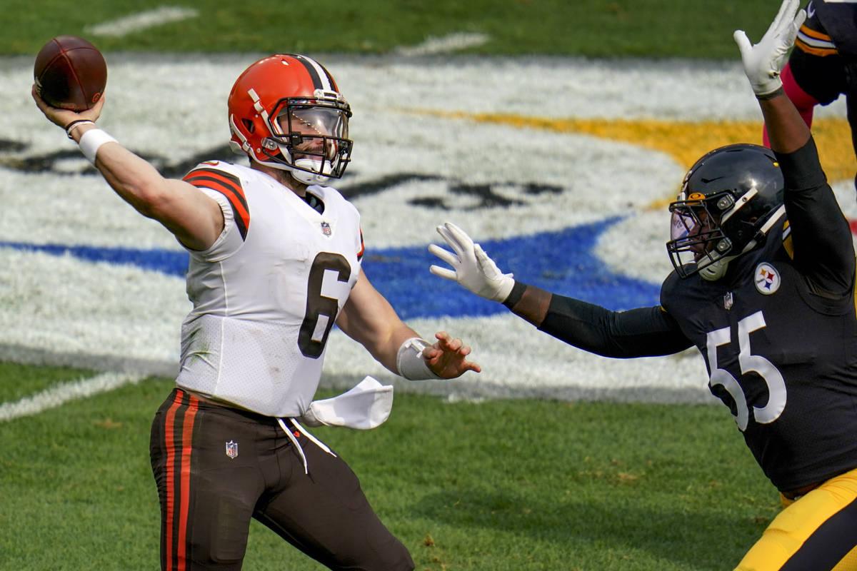 Pittsburgh Steelers inside linebacker Devin Bush (55) pressures Cleveland Browns quarterback Ba ...