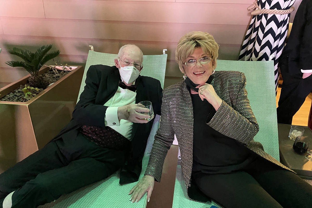 Oscar and Mayor Caroline Goodman (John Katsilometes / Las Vegas Review-Journal)