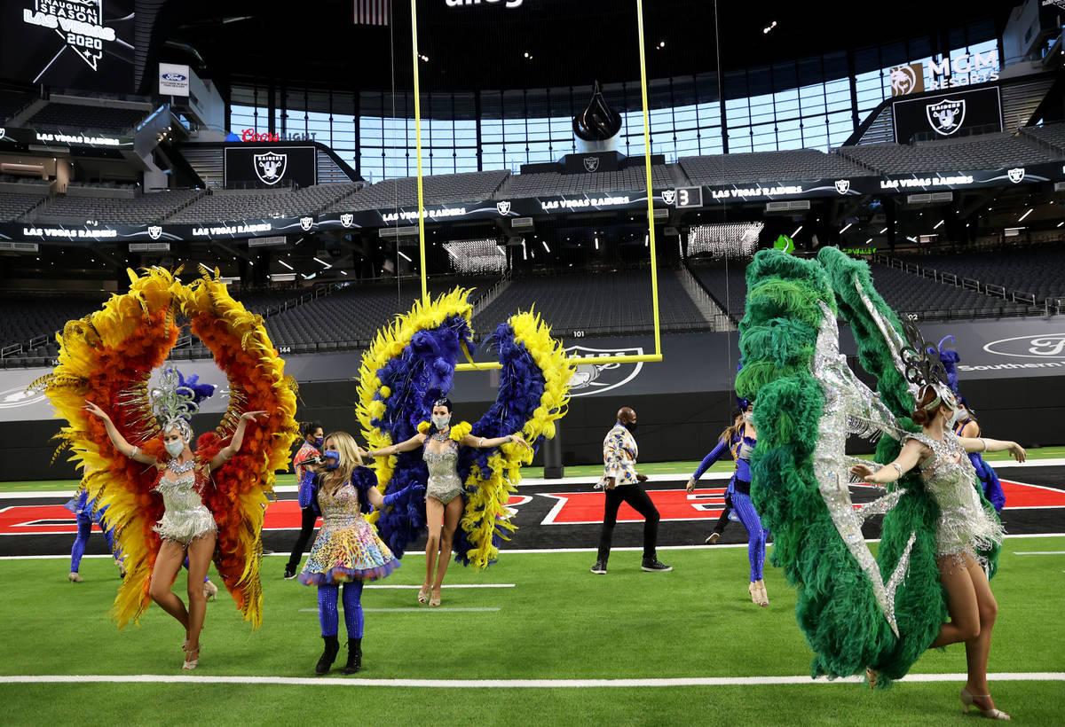 Las Vegas performers, including from left, Jennifer Jordan, Lili Arce, Lora Kelsey and Elaine H ...