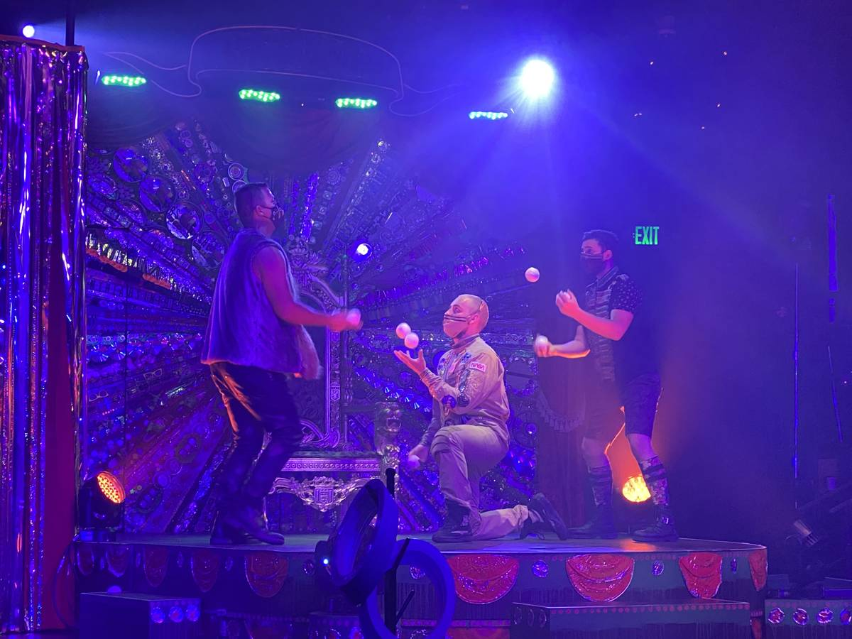 """The juggling act """"Water On Mars"""" is shown in the return of """"Absinthe"""" at Caesars Palace on Wedn ..."""