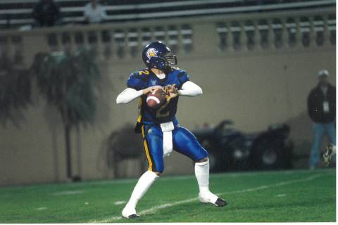 Marcus Arroyo as quarterback for the San Jose Spartans in 2001. (Ron Fried)