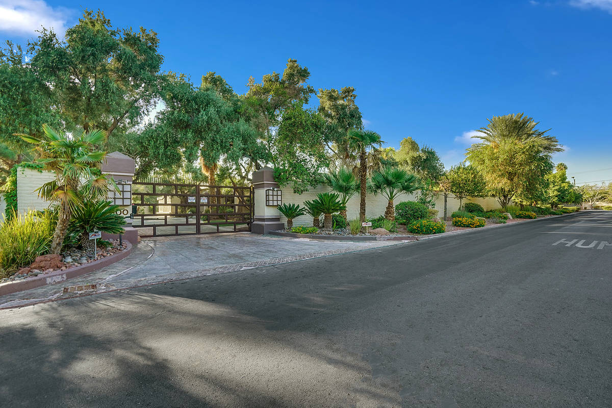 Huntington & Ellis This home at 500 Shetland Road sits on a 1-acre lot in one of Las Vegas hist ...