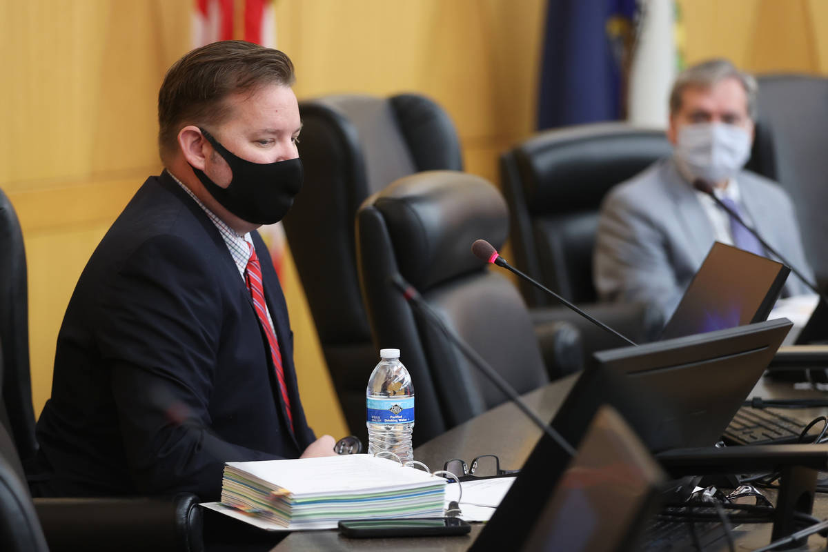 Las Vegas police detective Jason Leavitt speaks during the fact finding review in the death of ...