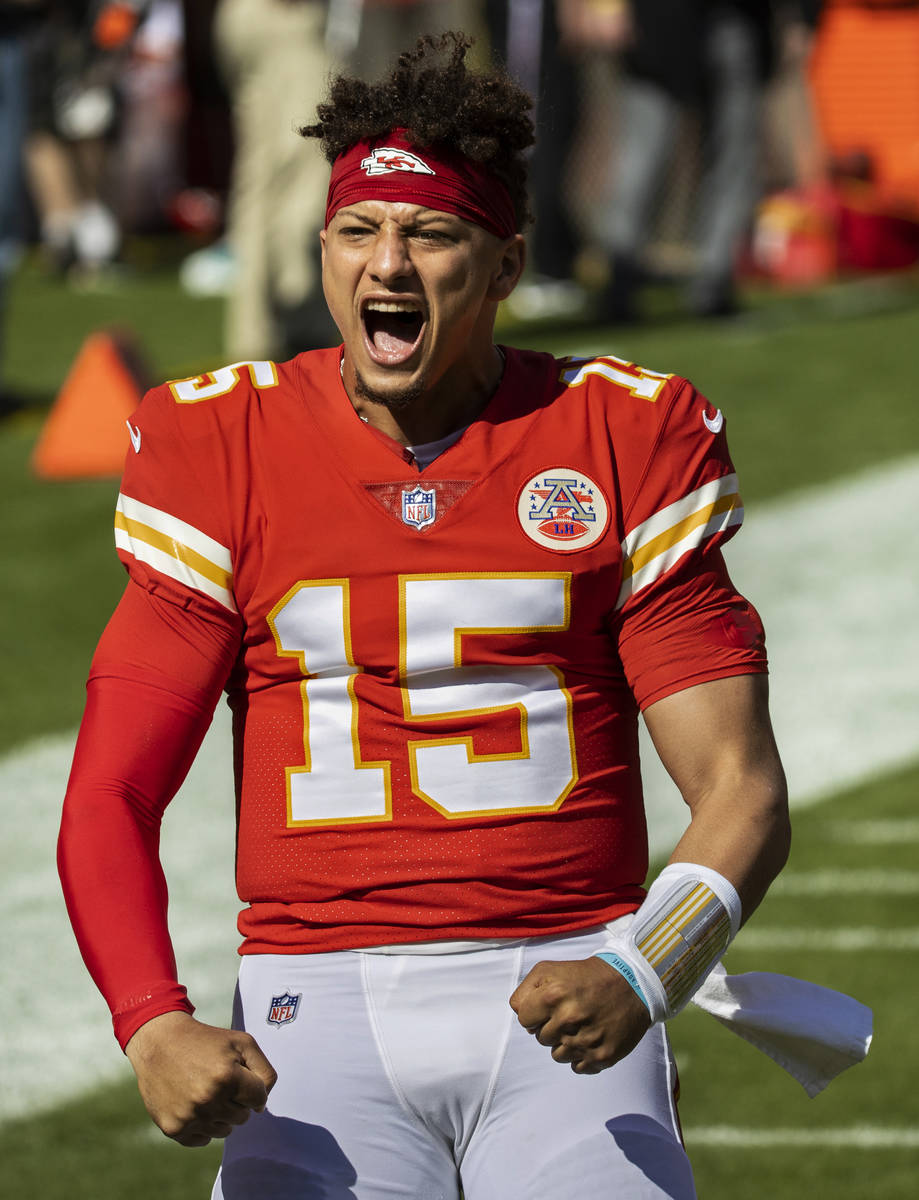 Kansas City Chiefs quarterback Patrick Mahomes (15) fires up the crowd during an NFL football g ...