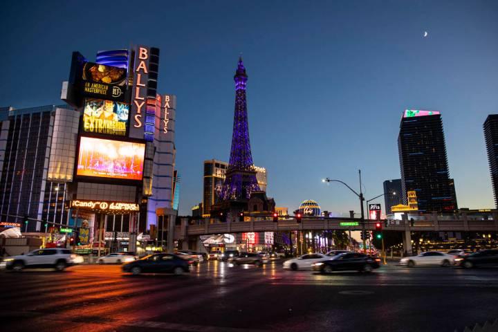Traffic passes on the Las Vegas Strip Thursday, Nov. 19, 2020. (Chase Stevens/Las Vegas Review- ...