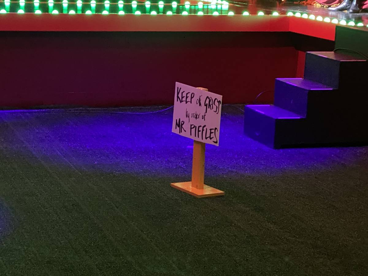 Directional signage for the Piff the Magic Dragon show at Flamingo Showroom on Thursday, Oct. 2 ...