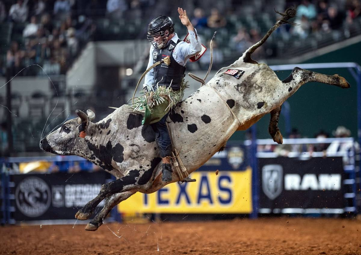 Jeff Askey performs on Thursday, Dec. 10, 2020, on Day 8 of the Nationals Finals Rodeo in Arlin ...