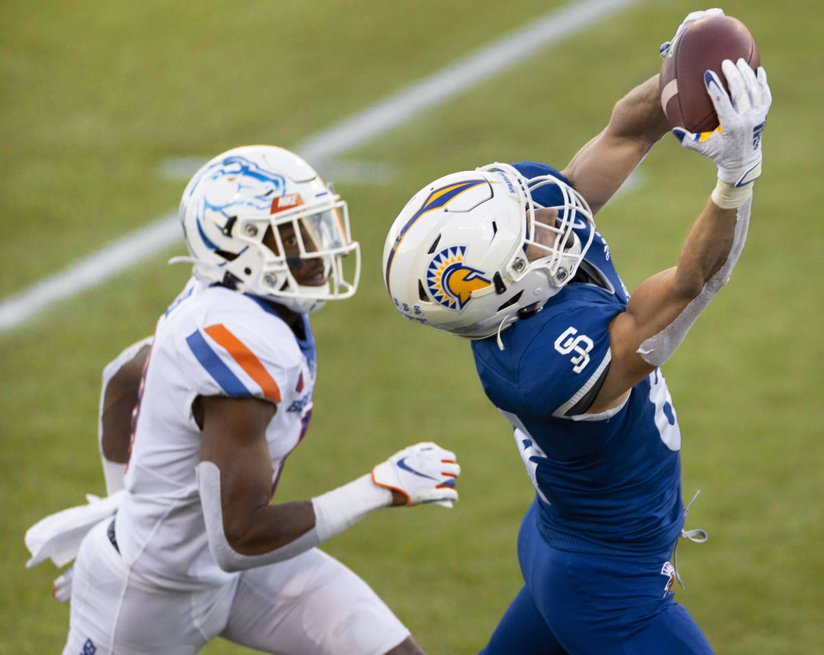 San Jose State Spartans wide receiver Bailey Gaither (84) makes a diving catch past Boise State ...