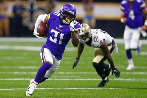 Minnesota Vikings running back Ameer Abdullah (31) carries in the first half of an NFL preseaso ...