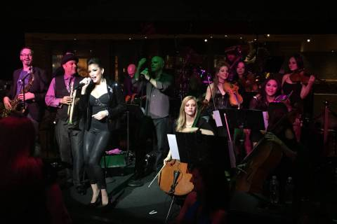 David Perrico's Pop Strings performs at Cleopatra's Barge at Caesars Palace in 2016. (John Kats ...