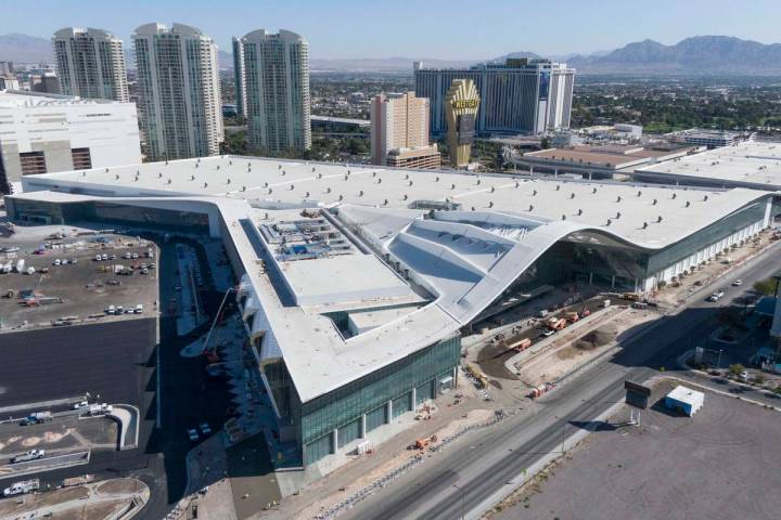 Aerial view of the Las Vegas Convention Center expansion on Tuesday, Sept. 29, 2020. (Michael Q ...