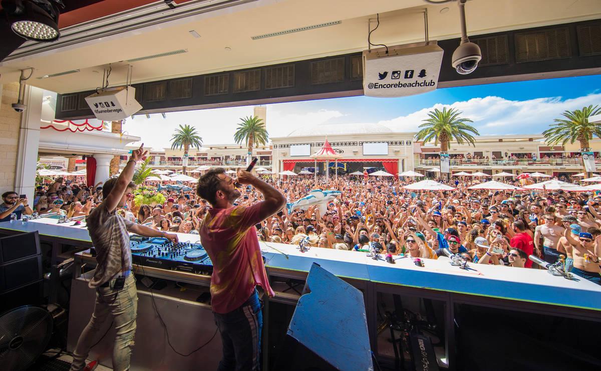 The Chainsmokers at Encore Beach Club (Wynn Las Vegas)