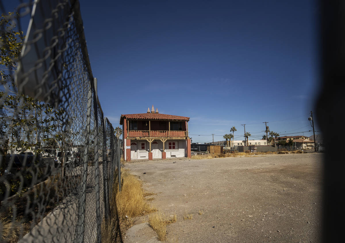 A vacant lot at 125 North 11th Street in Downtown Las Vegas owned by Tony Hsieh photographed on ...