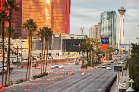 The Strip is largely empty on Thursday, Jan. 28, 2021, in Las Vegas. (Benjamin Hager/Las Vegas ...