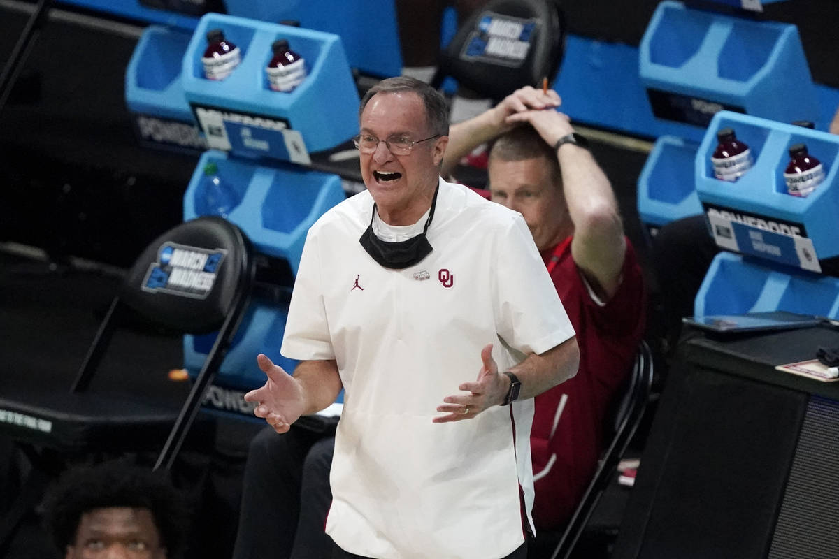 Oklahoma head coach Lon Kruger reacts during the first half of a first-round game against Misso ...