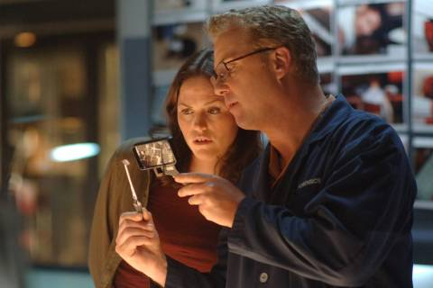 William Petersen, who starred as Gil Grissom, and Jorja Fox, who portrayed Sara Sidle, will lea ...