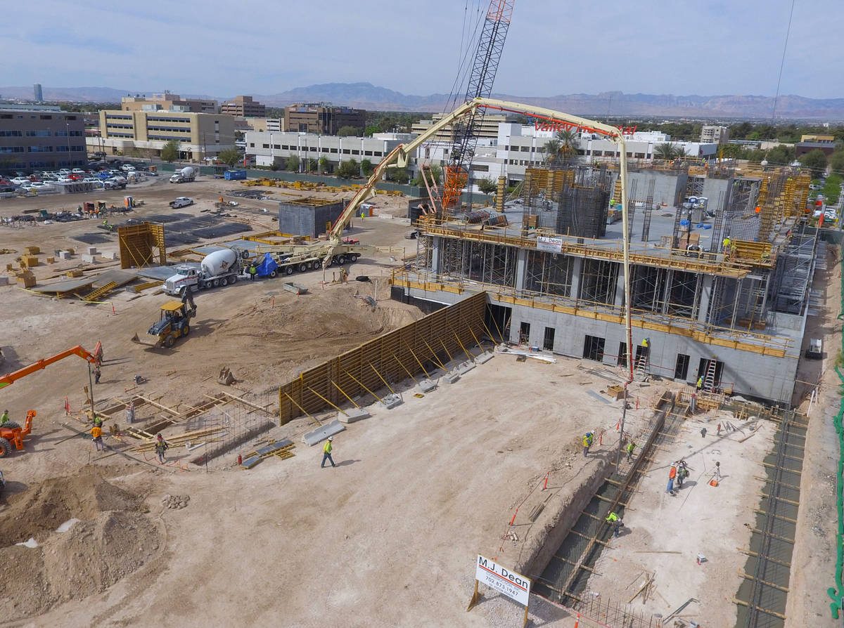 The construction sit of the future Kirk Kerkorian School of Medicine at 625 Shadow Lane is seen ...