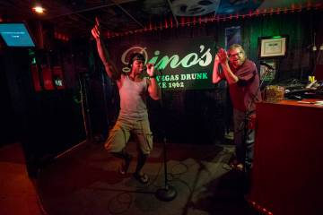 Karaoke night at Dino's Lounge in downtown Las Vegas. (Las Vegas Review-Journal file)