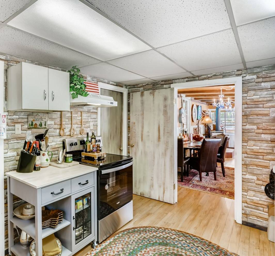 The kitchen of 4557 Yellow Pine Ave. (Virtuance)