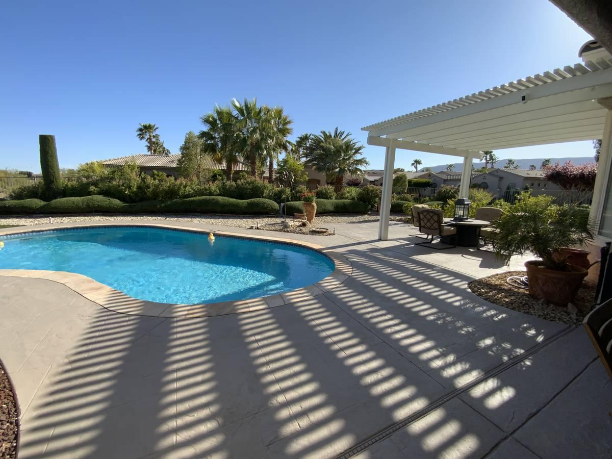 The pool and patio at 10473 Acclamato Ave. (Jason Almeida)
