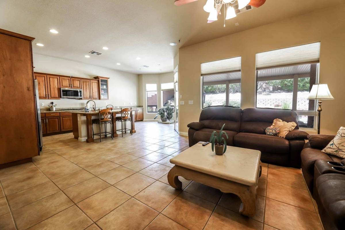 The living room at 333 Denton Springs Court in Summerlin. (SugarMill Studios)