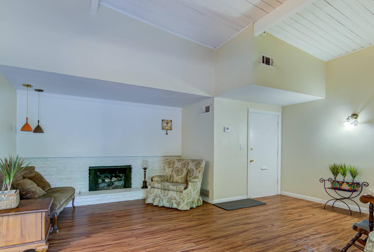 The living room of 17964 Keswick St. in Reseda, Calif. (Luan Pernia/Luxury Video Tour)