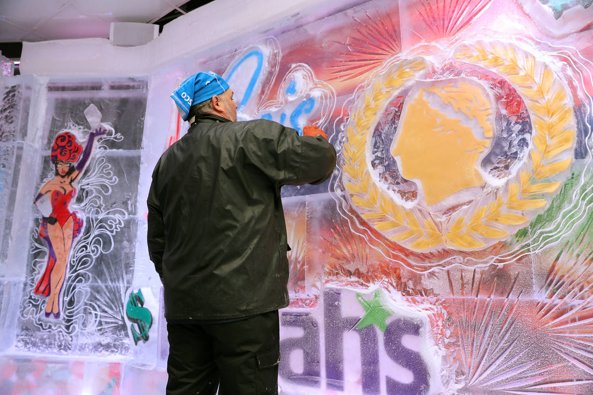 Ice artist Tom Schiller works on a wall at the Icebar at the LINQ Promenade in Las Vegas, Tuesd ...