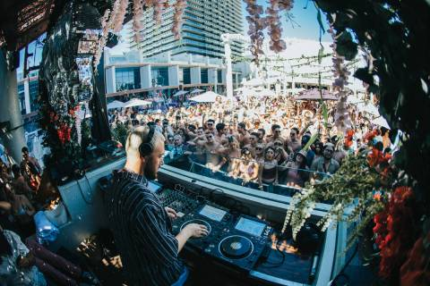 Chris Lake performs at Full Bloom Sundays at Marquee Dayclub on Sunday, June 6, 2021. (Global M ...