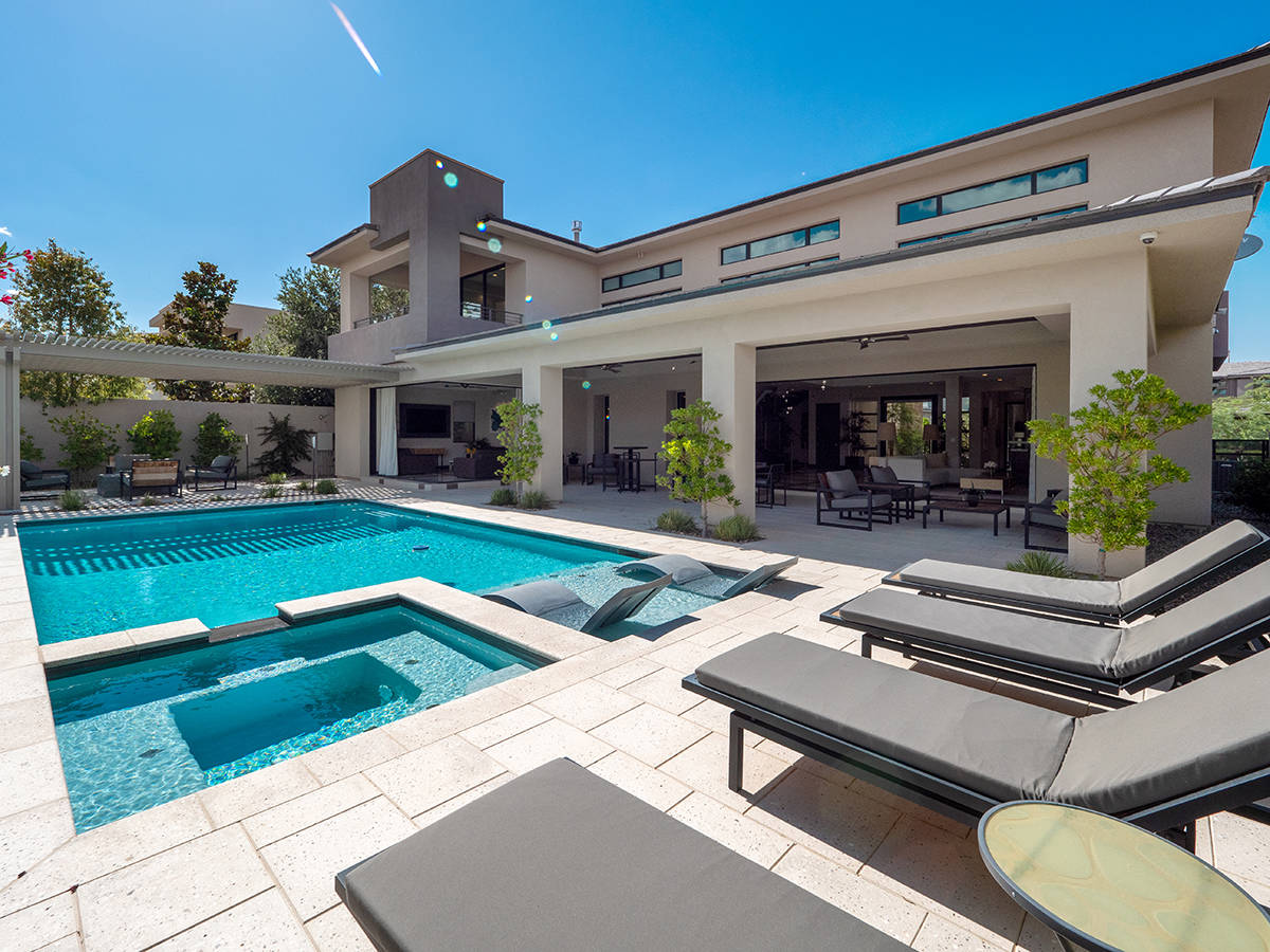 The pool at a home owned by rocker Carlos Santana and for sale in The Ridges. (LVREAL)