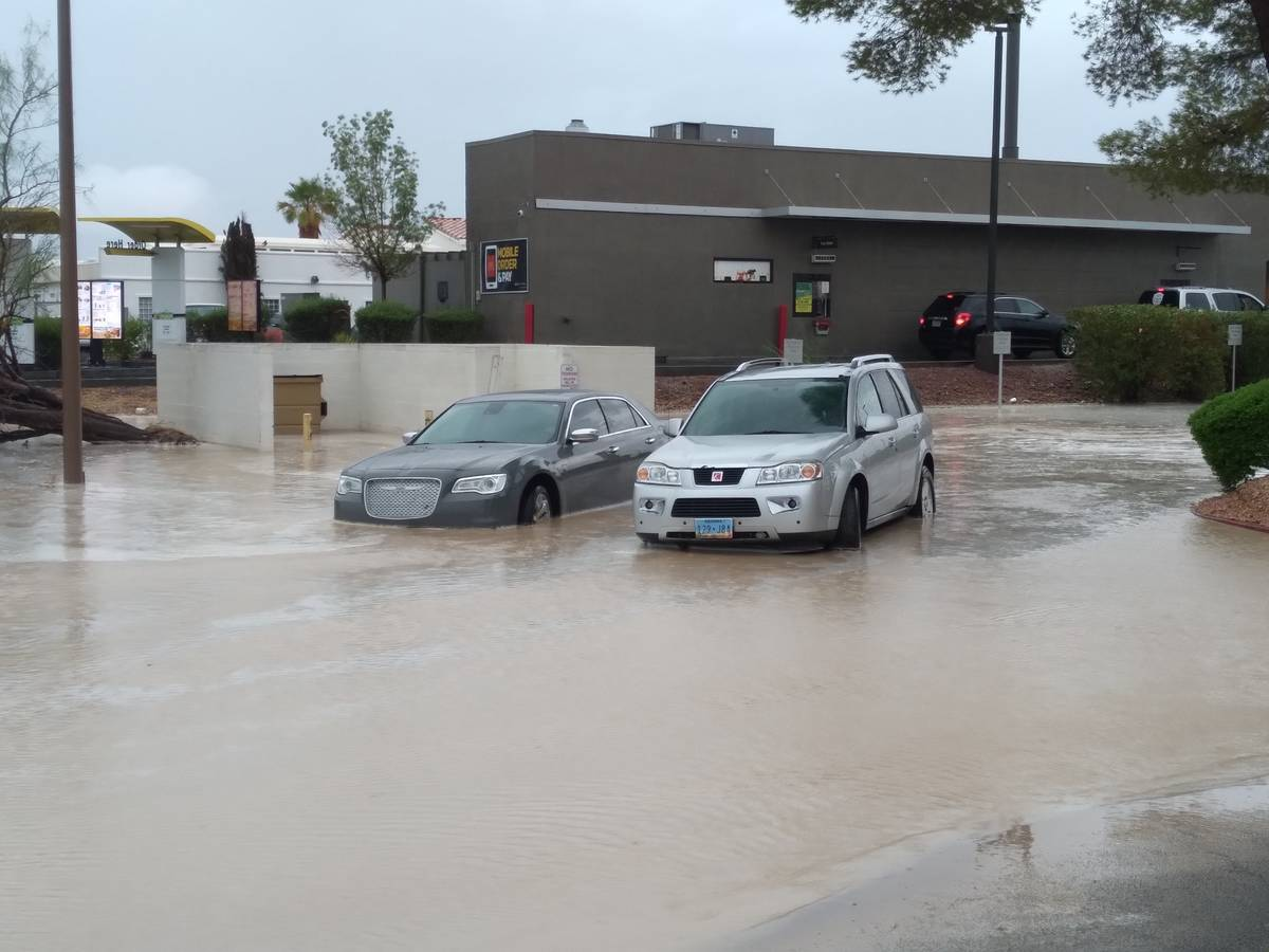 Flooding continues in Pahrump. (Selwyn Harris/Pahrump Valley Times)