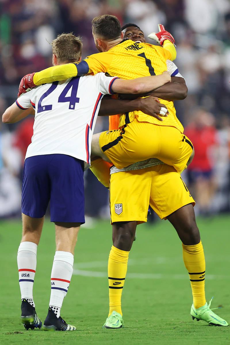 United States goalkeeper Matt Turner (1), goalkeeper Sean Johnson (18), and defender Henry Kess ...