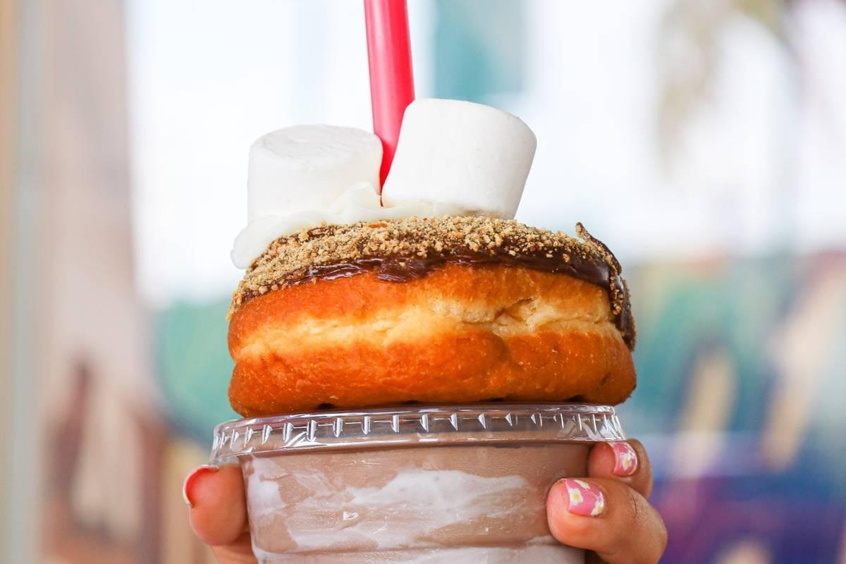 A SMASH Milkshake from Yonutz! (Yonutz!)