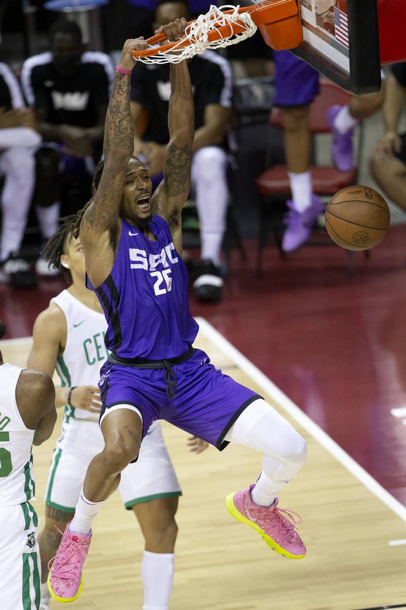 Sacramento Kings forward Emanuel Terry (26) dunks during the second half of a NBA Summer League ...