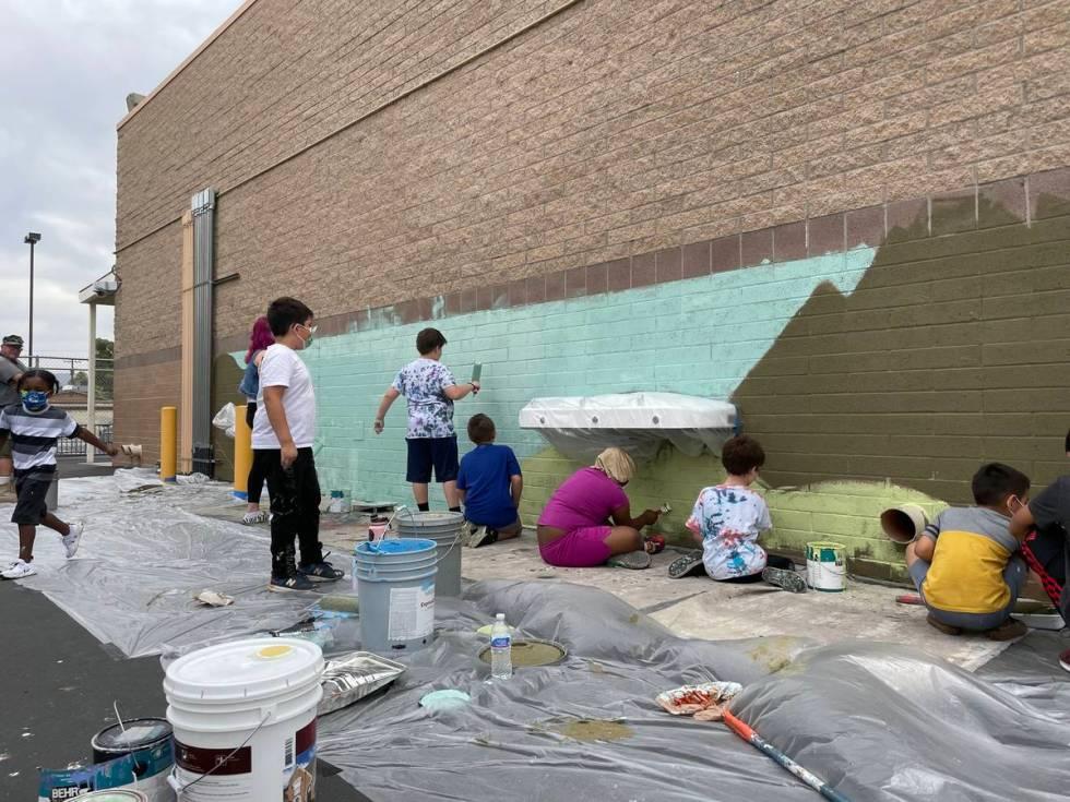 Mural by Israel Sepulveda and students at Bertha Ronzone Elementary School (Israel Sepulveda)