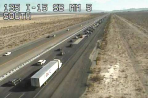 Southbound Interstate 15 traffic builds at mile marker 5 north of Primm on Monday, Sept. 6, 202 ...