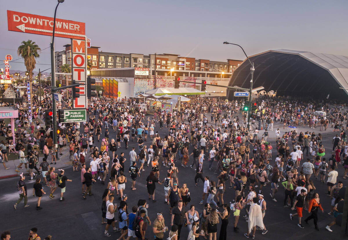 The intersection of South 8th Street and Fremont Street is packed during the first day of Life ...