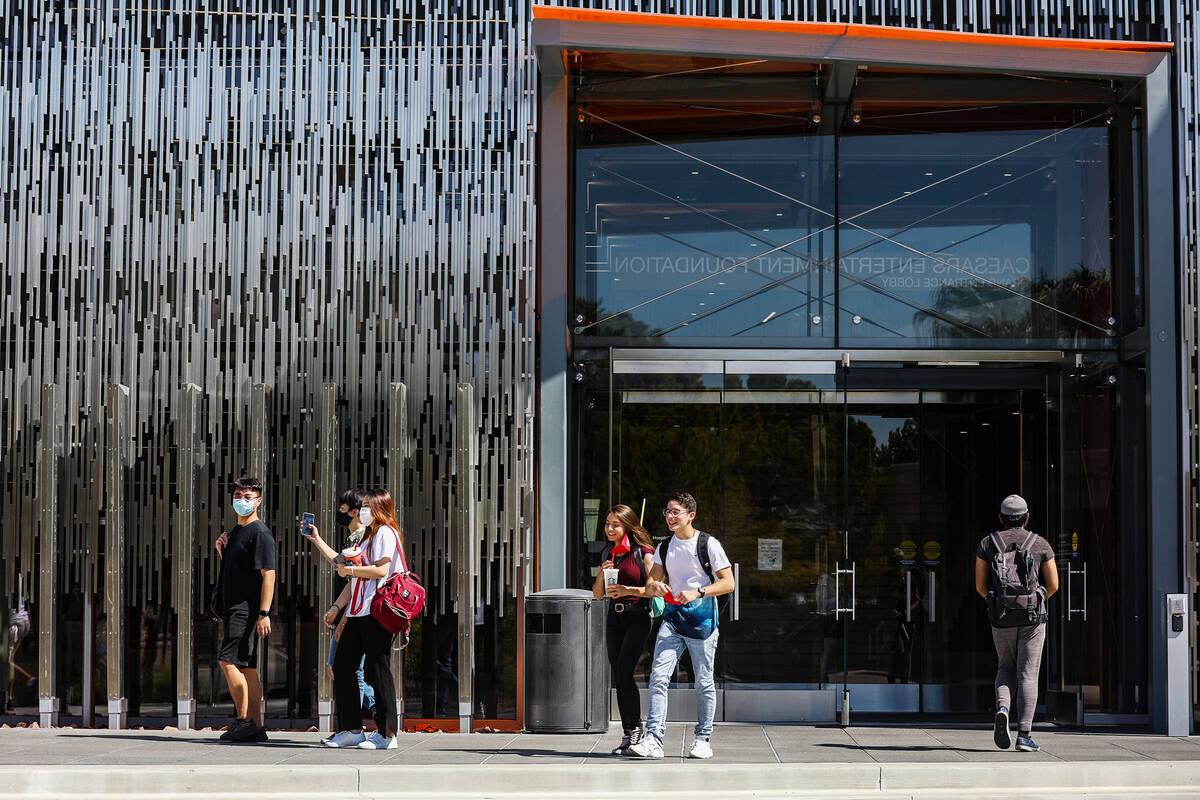 Students exit the Hospitality Hall at UNLV in Las Vegas Thursday, Sept. 16, 2021. (Rachel Aston ...